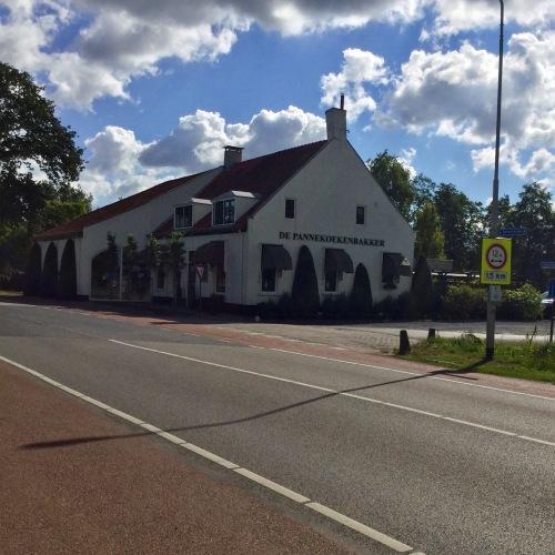 De Pannenkoekenbakker, tussen Heerle en Wouw.