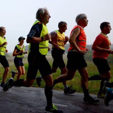 Heen en Weer Loop najaar 2018, de 5:30 min/km groep op de terugweg
