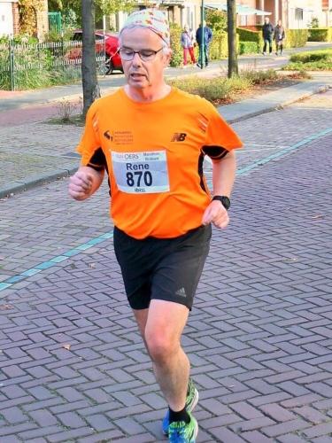 Hardlopend op de finish af.